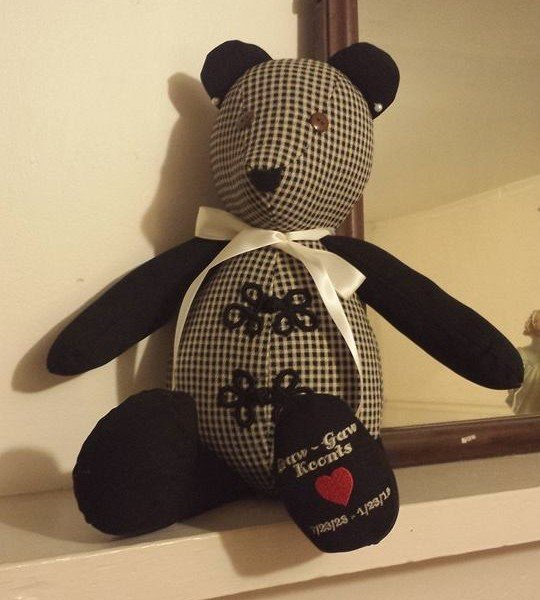 Memory bear – with embroidery